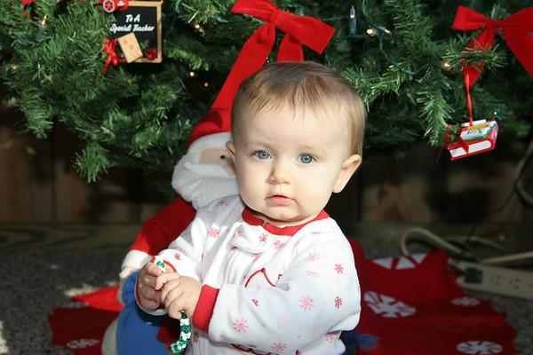 Kallyn - Christmas at Grannie and Papaws