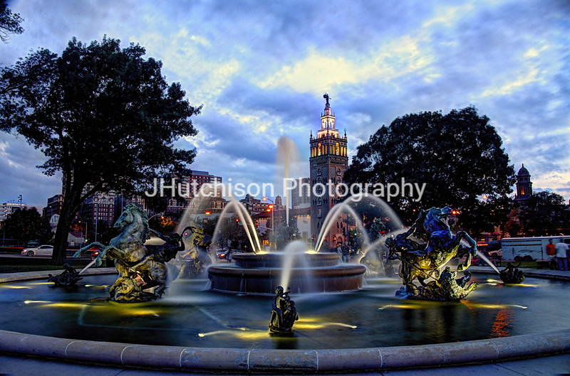 KC0002 - JC Nichols Fountain