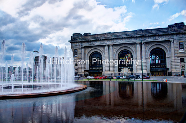 KC0007 - Union Station Reflecting in Pool