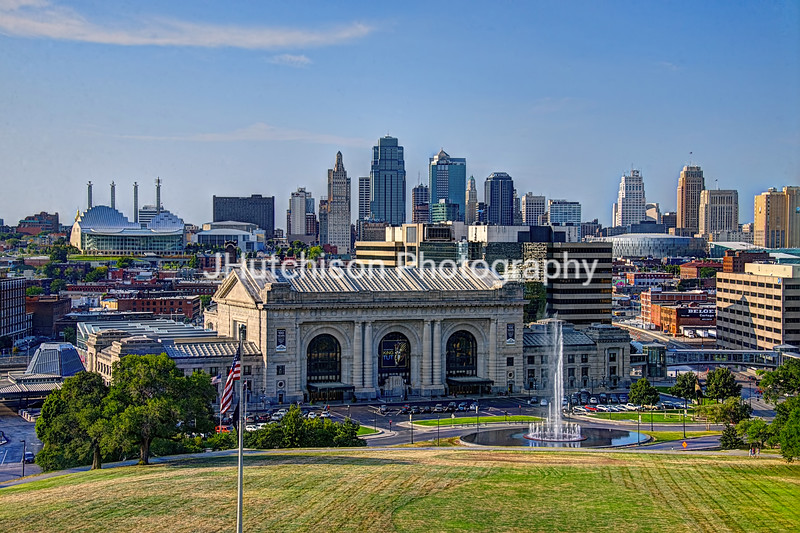 KC0005 - Kansas City Skyline With Fountain