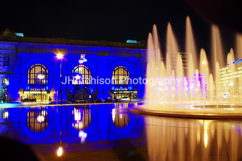 KC0023 - Union Station & Fountain Royal Blue
