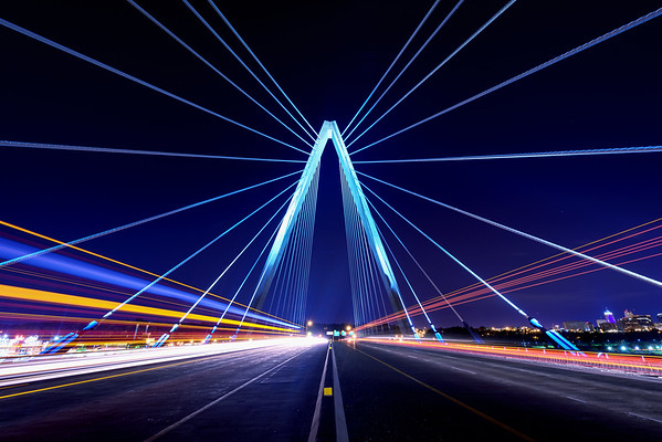 Bond Bridge Light Show