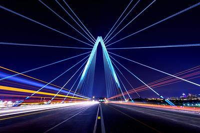 Bond Bridge Light Show