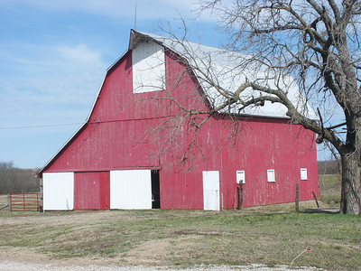 Coffey County barn on old US50 at Native Rd