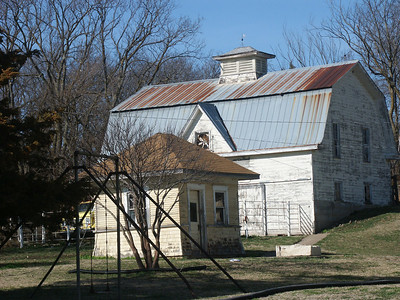 Barn in the town of Bazaar in Chase County
