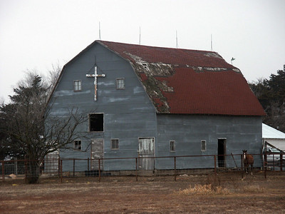 Rice County barn on 29th Rd near Ave H