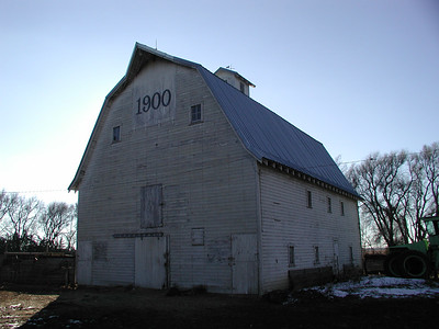 Hornbaker barn near Valley Pride Rd and Red Rock Rd in Reno County