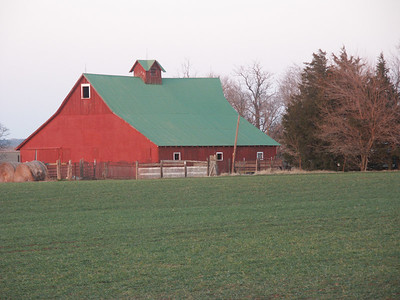 Barber County barn on US160 near Bethel Rd