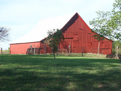 Barn at east edge of the town of Virgil in Greenwood County