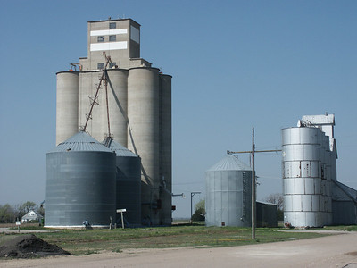 Two elevators at Rozel - Pawnee County