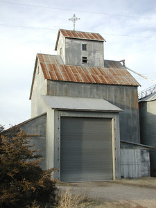 Farm elevator - SE Harvey County