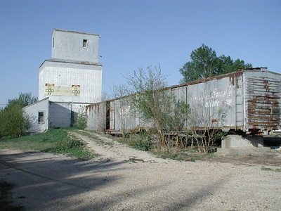 Elevator and box cars at Elmdale - Chase County