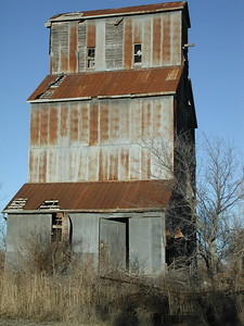 Elevator at Millerton - Sumner County