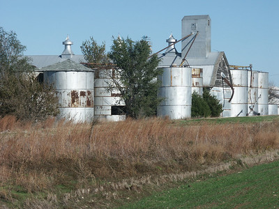 Elevator complex at Carlton - Dickinson County