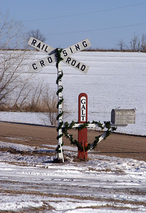 Railroad crossbuck mailbox - Rice County