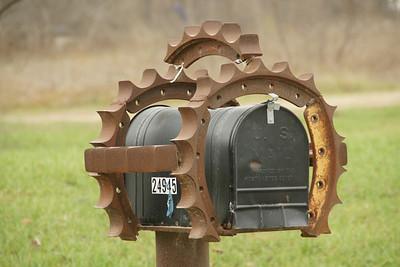 Gears? mailbox - Johnson County