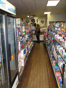 Grocery store in Cuba