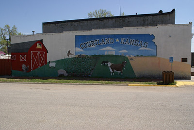 Town mural in Courtland