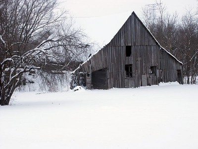 Winter barn scene northeast of Rose Hill