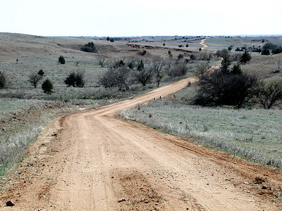 Section of Lasswell Road snaking thru southern Barber County