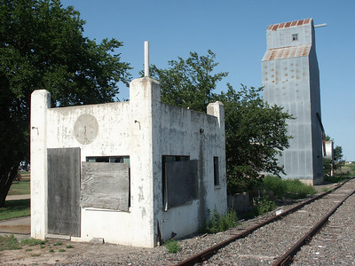 Old weigh shack, elevator and railroad tracks