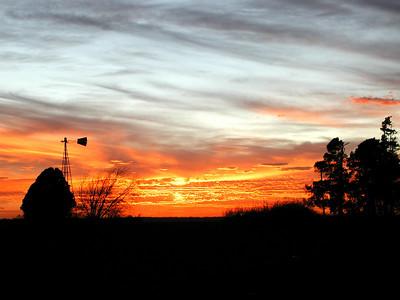 Sunset along 77th Street North