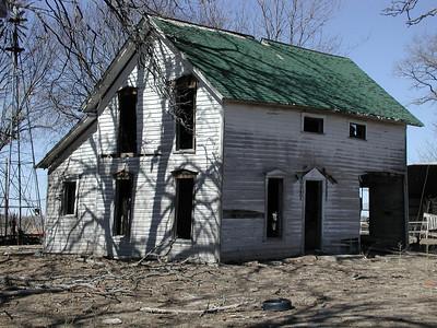 Abandoned farm house near Neola