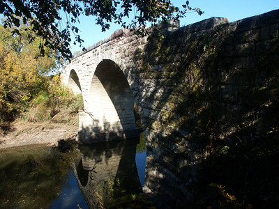 Stone arch bridge over Cottonwood River at Clements