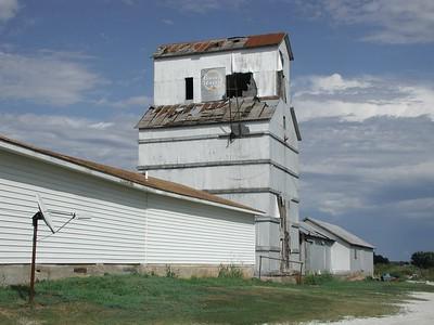 Grain Elevator in Cedar Vale
