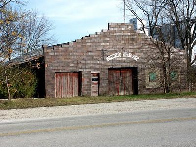 Former auto garage in Allen