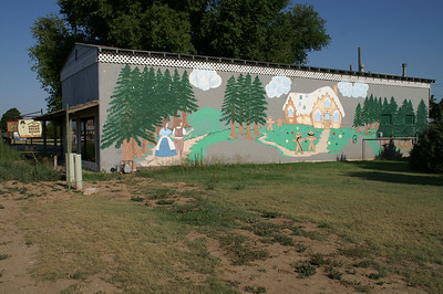 Mural on floral / gift shop - Meade