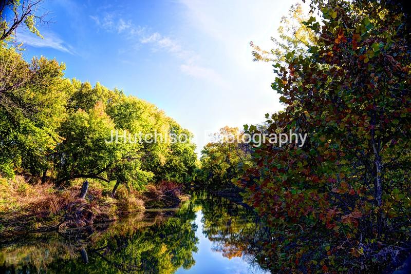 FR0006 - Marais des Cygnes River in Autumn