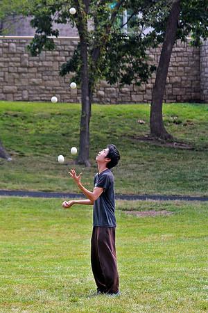 Juggler juggling