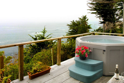 Hot Tub & Foggy Ocean View