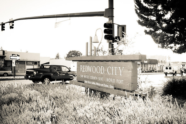404 Palomar Dr, Redwood City