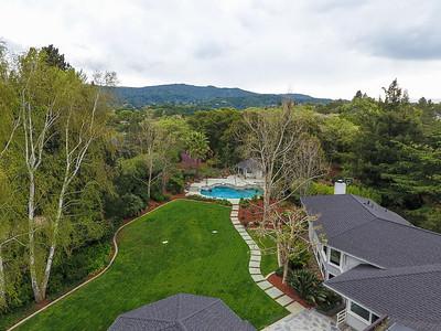 24250 Hillview Rd Los Altos Hills, CA, United States