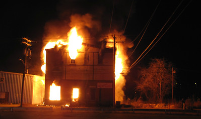 Structure Fire - Main St & Caroline St, Derby, CT - 12/4/16