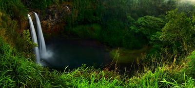 Twin waterfalls of Wailua Falls | Kauai Hawaii