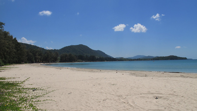 The view of Klong Dao Beach Bay from Kawkwang Beach