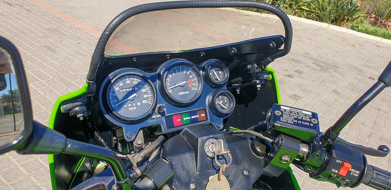 Kawasaki KR250 -  (15)