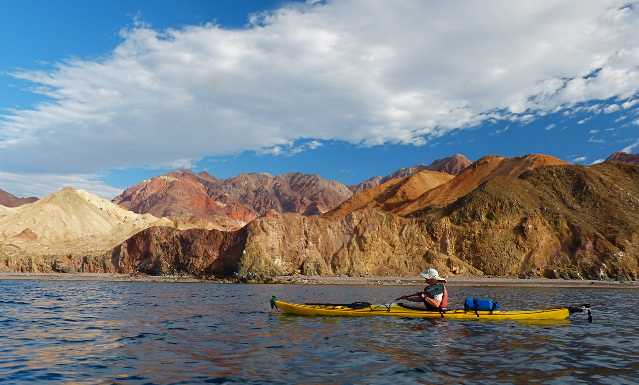 The weather was good when we started paddling the next day. The hills behind Esta Ton had amazing color.