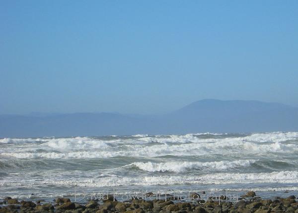 Winds at 40 knots-near Crescent City.
