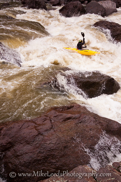 Paddler Brian Ward in Widowmaker Rapid on the Owyhee River, Three Forks to Rome, Oregon.