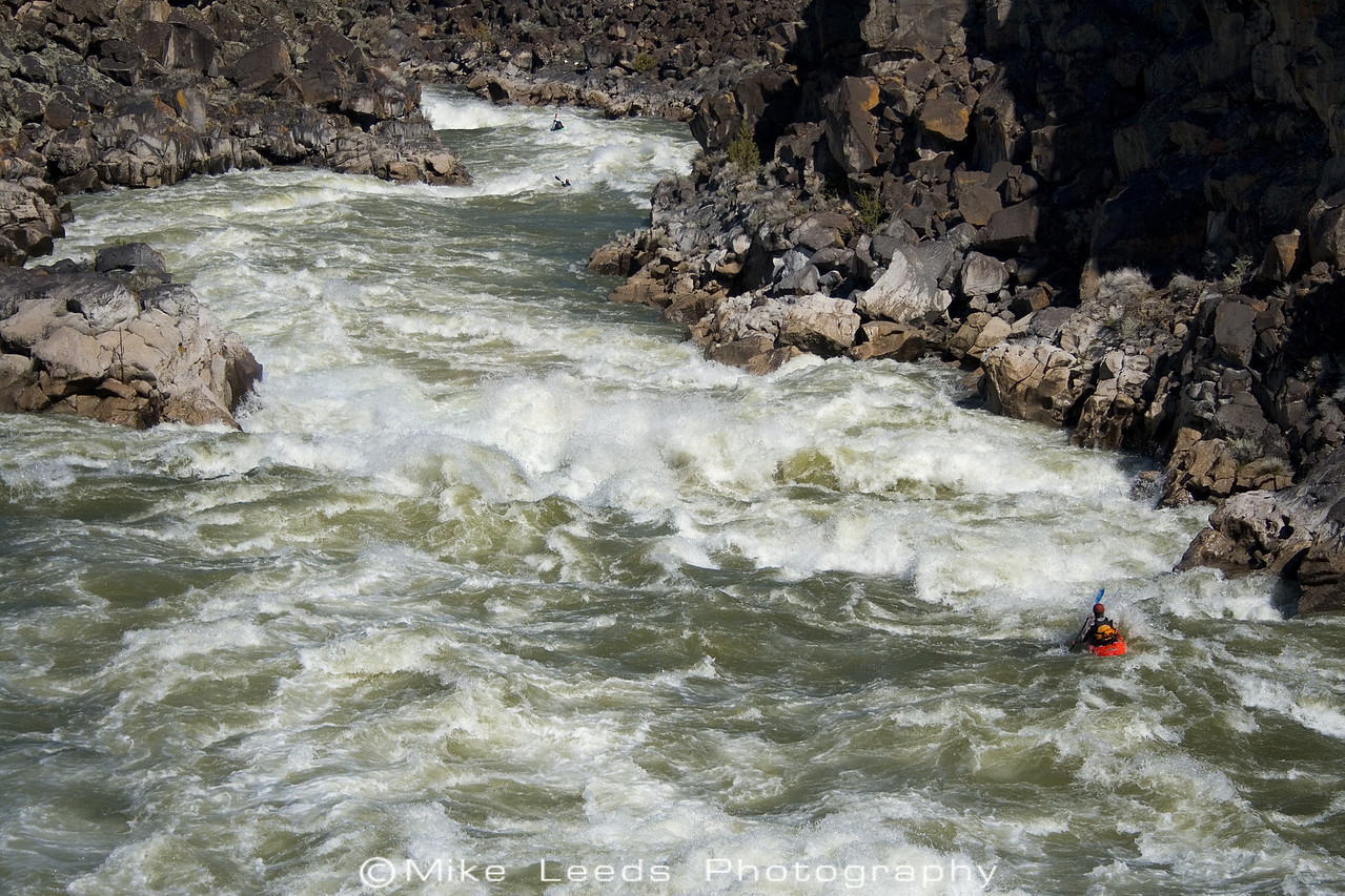 Paddler Micah Kniedl, on the Milner Mile. Snake River in Idaho. Flows around 15 to 17 thousand cfs.