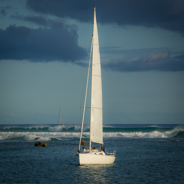 Sailing in to Ala Wai Harbor