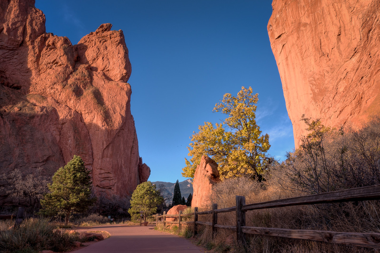 Garden of the Gods, Walkway Through the Garden