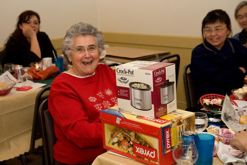 Board Elder Maude Tyrer, often known as grandmother of hockey player Jonathan Cheechoo, seems to like her gifts. 2008 December 11