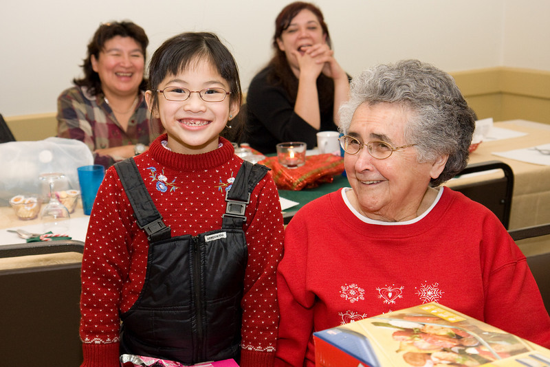 Cecilia Lee, eight years old, with Maude Tyrer, somewhat older. 2008 December 11