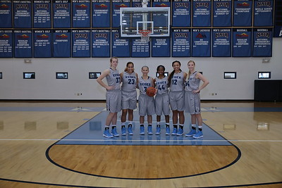 8G1A3362women's basketball