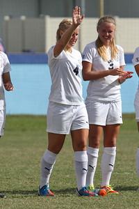 Midfielder Hannah Lindstrom (4)